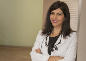 Portrait photo dentist Dr. America Nazar